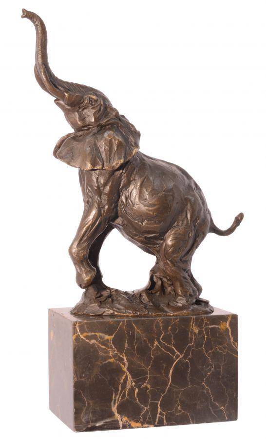 Bronzový slon