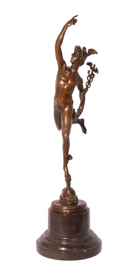 Bronzová socha Hermés