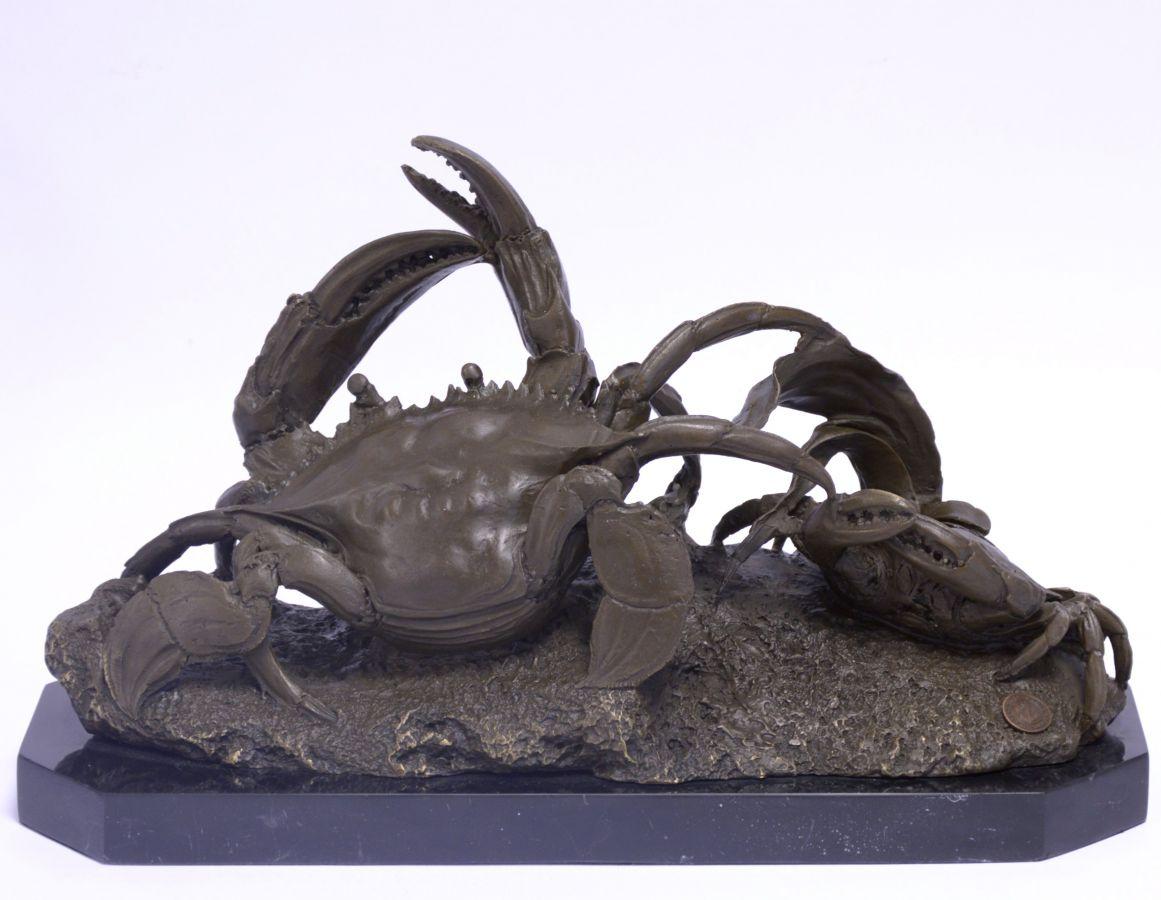Bronzová socha krabi