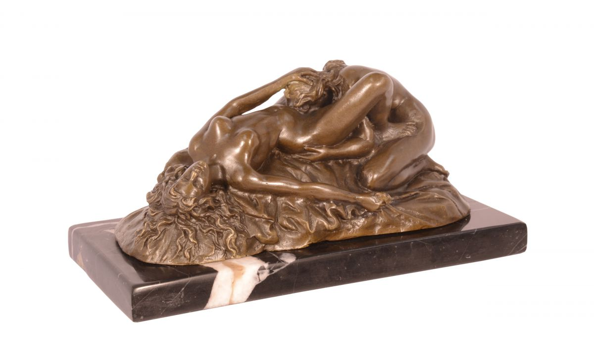 Bronzová socha lesbians BrokInCZ