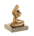 Bronzová maminka s miminkem