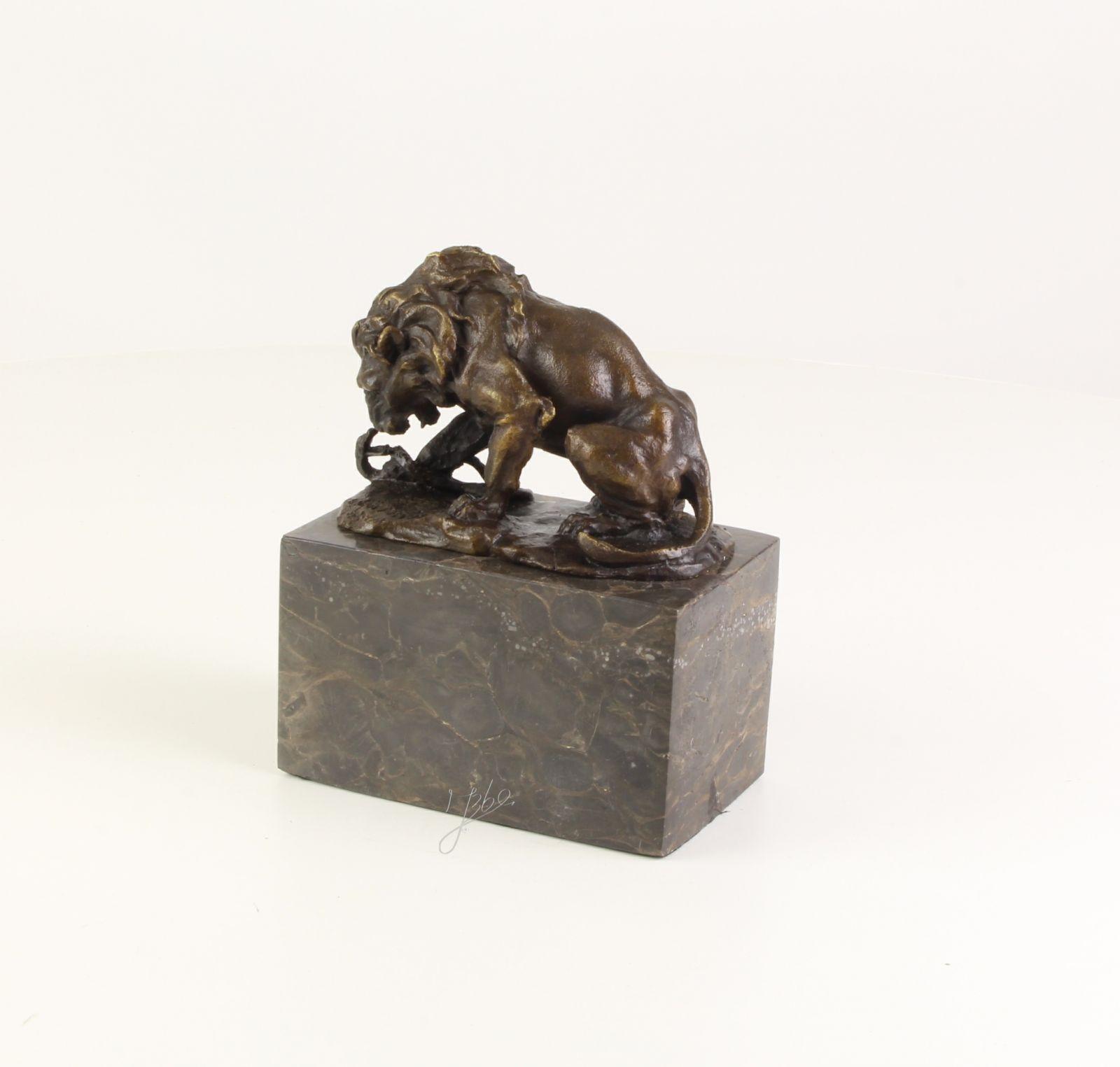 Bronzová socha lev a had Decosite