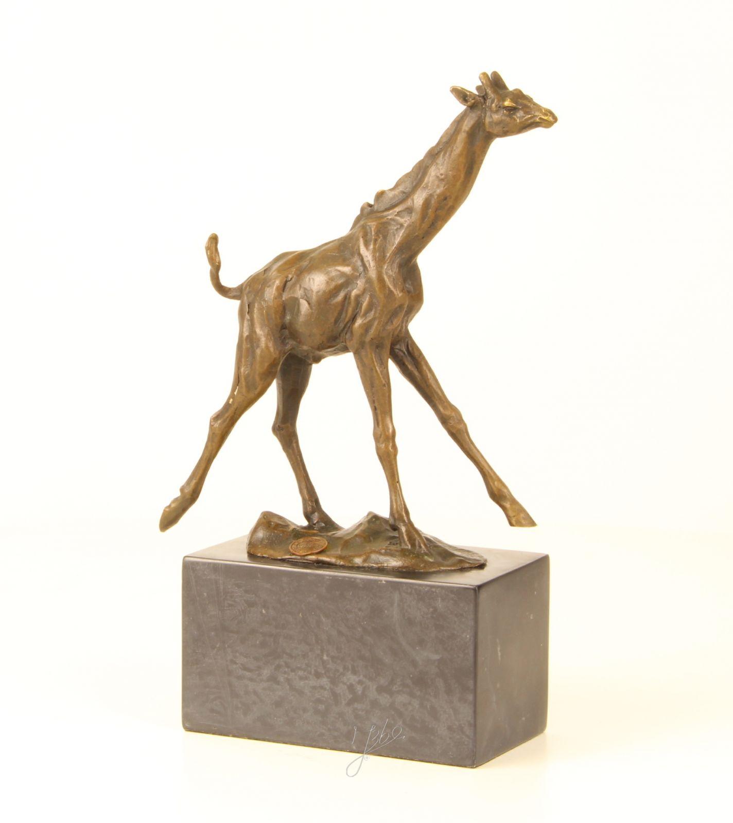 Bronzová socha ŽIRAFA BrokInCZ