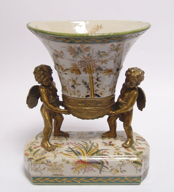 Váza z porcelánu s andílky
