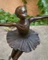 Baletka z bronzu Bronzová socha - Baletka tančí