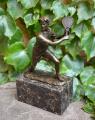 Bronzová socha tenisty z bronzu BrokInCZ