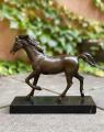 Bronzový kůň 1