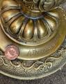 Socha orla z bronzu na podstavci BrokInCZ