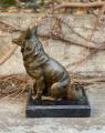 Bronzová socha lišky