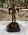 Erotická socha muži z bronzu
