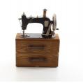 Šicí strojek dekorace kov + dřevo, funkční šuplíky