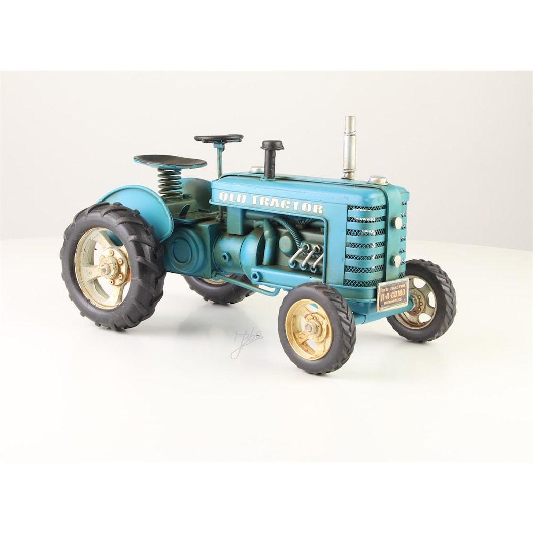 Plechový traktor
