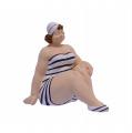 Polyresinová soška -  Plus size dívka v plavkách