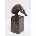 Socha muže  z bronzu