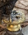 Socha orla z bronzu