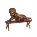 Bronzová socha soška dítě si hraje se šnekem